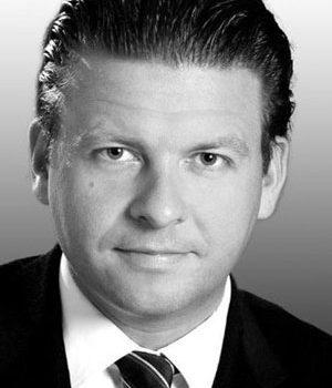 Dr. Oliver Vesper
